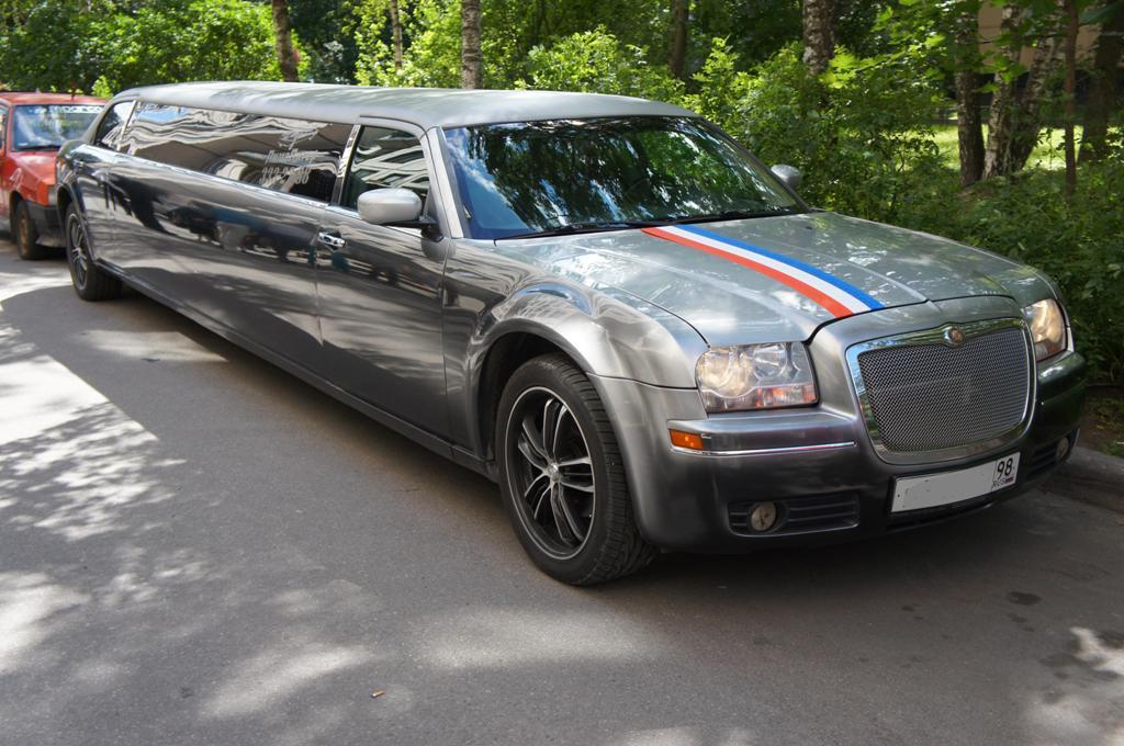 Лимузин Chrysler 300C - фото 3