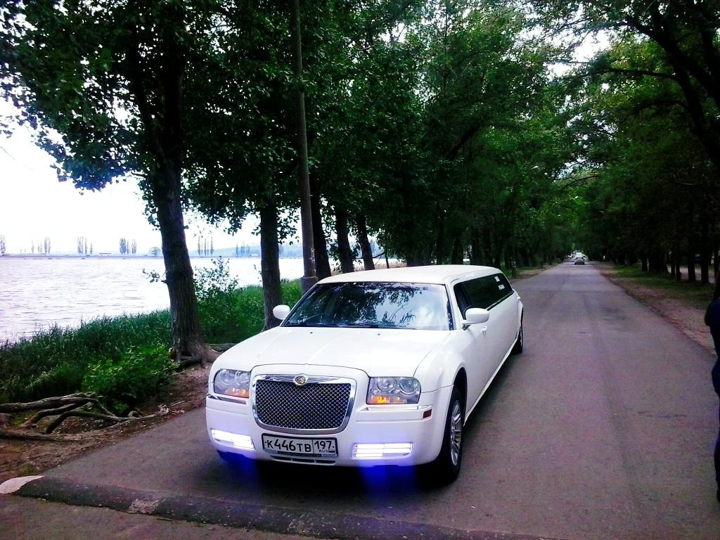 Лимузин Chrysler 300C - фото 2
