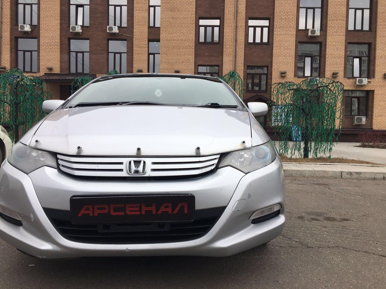 Седан Honda Insight - фото 3