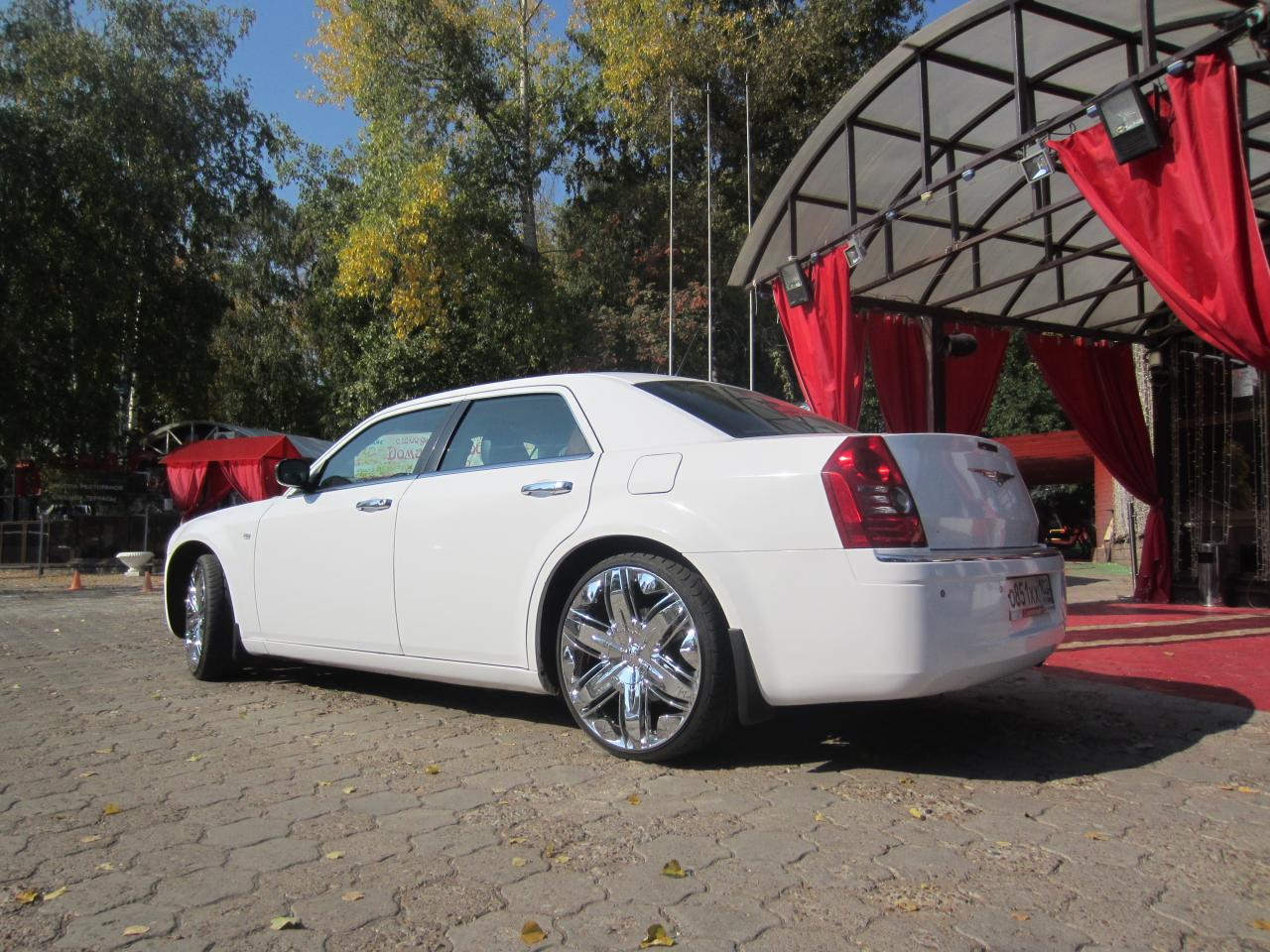 Седан Chrysler 300C - #4