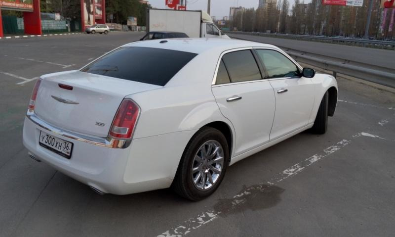 Седан Chrysler 300C - фото 3