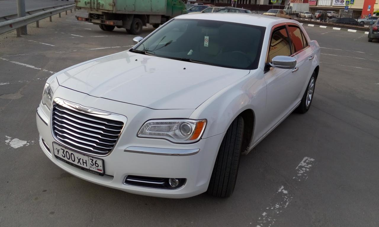 Седан Chrysler 300C - фото 2